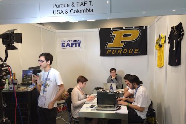 EAFIT&Purdue team interviewing