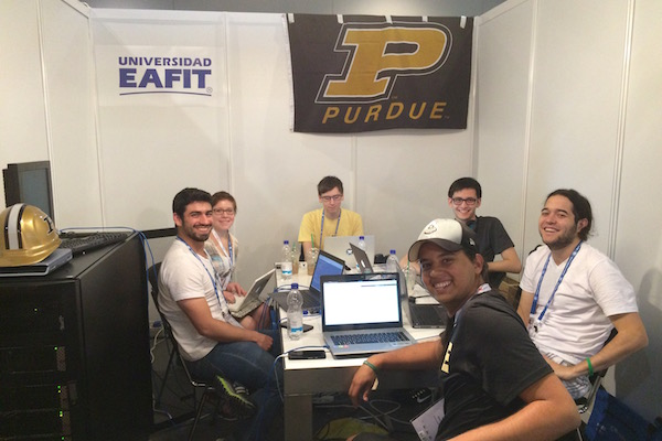EAFIT&Purdue team in the booth